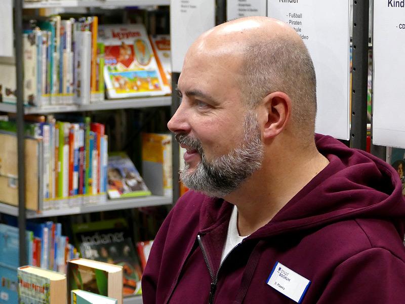 Bibliothekar Dirk Plewka