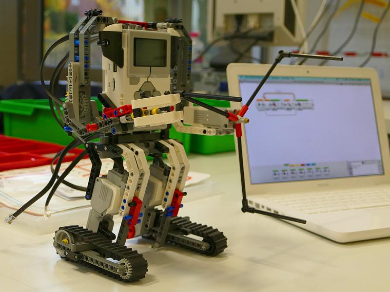 Von Schülern gebauter Roboter, Foto: Anke Droste
