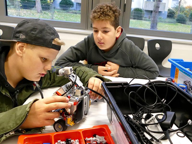 Roboterbau, Foto: Anke Droste