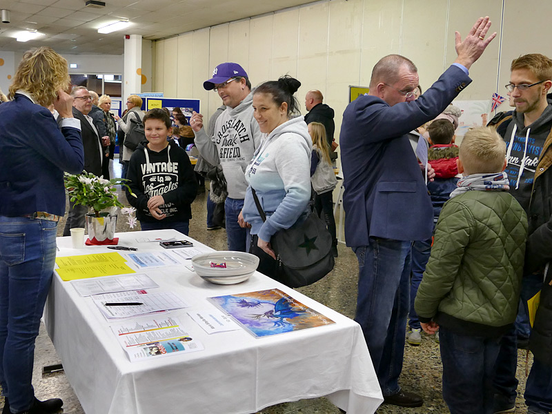 Die Schulleitung informiert., , Foto: Anke Droste