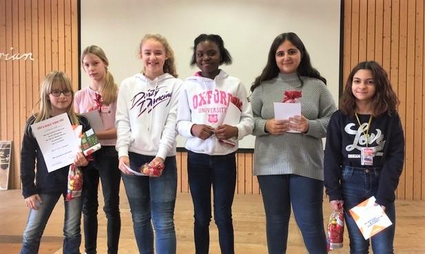 von links nach rechts: Natasia Otto, Lea Mehr, Lina Schrage, Precious Leboah, Hümeyra Kan, Ilayda Dogan